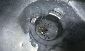 重曹とクエン酸による排水溝の掃除