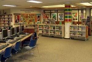 図書館の管内