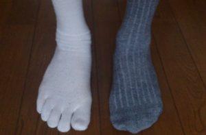 踵がたるむ靴下