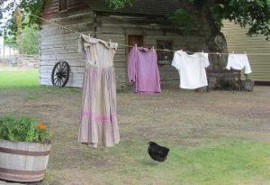 紐につられている洗濯物