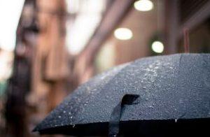 雨をはじく傘
