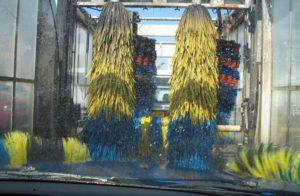 大型車用の洗車機のブラシ