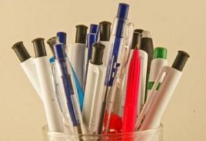 たくさんのボールペン