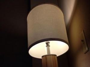 スタンド式の照明