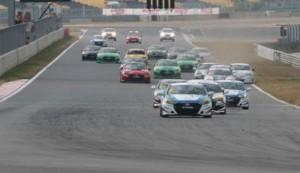 混戦のレース