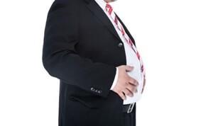 太っているスーツ姿の男性