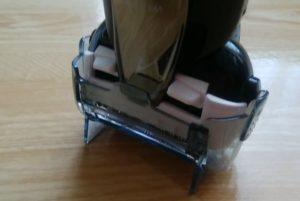 隙間があって乾燥しやすい電気シェーバーのスタンド