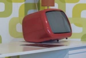使い古された壊れない家電製品
