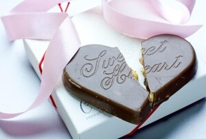 割れているチョコレート