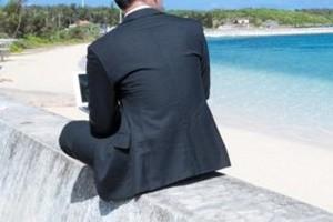 スーツの背中の皺