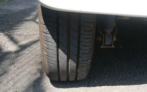 タイヤの空気圧は高めが正解?メリットとデメリットを紹介します