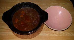 土鍋ご飯に直接カレー