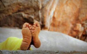 裸足の足裏