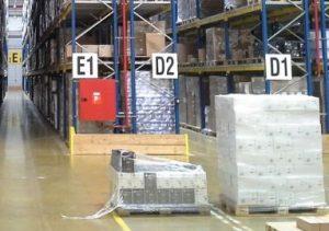 倉庫の商品