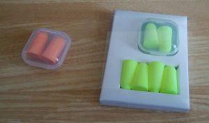 某100円ショップの耳栓とダイソーの耳栓