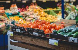 身体に良さそうな野菜が売られているスーパー