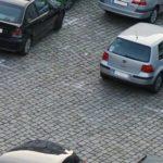 駐車場で車をぶつけられないポイントを紹介します!