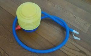 エアダスターは100円の空気入れポンプで代用できる!